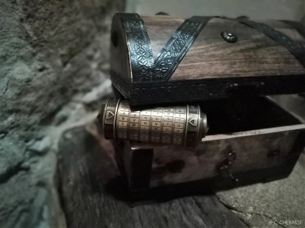 coffre cryptex jeu de piste Nimes le Nome d'Auguste