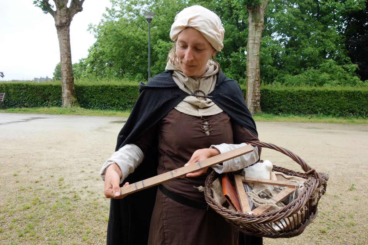 visite interactive de Dinan outils bâtisseurs Moyen Âge