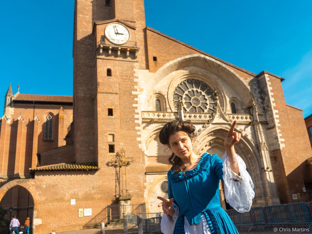 visite insolite de Toulouse au XVIIIè siècle devant la cathédrale Saint Etienne