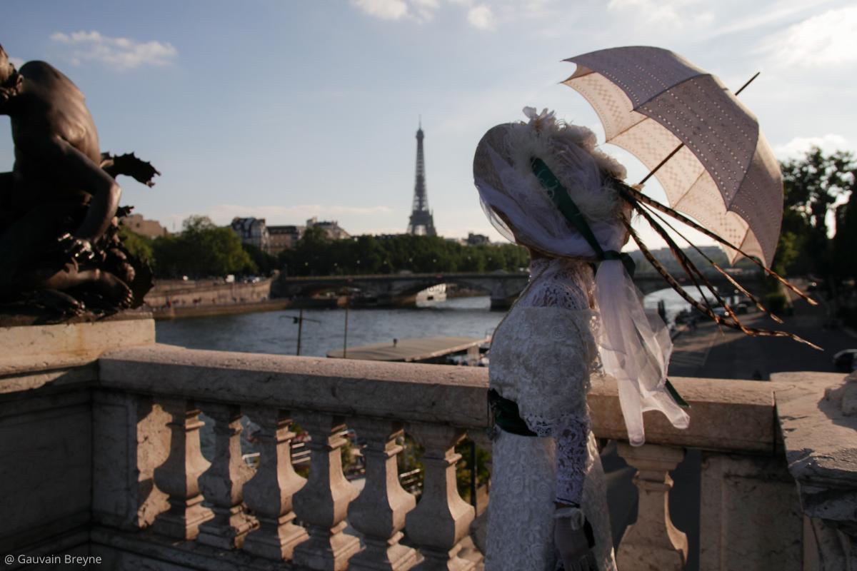 Visiter Paris vue Tour eiffel à la Belle époque pont Alexandre III