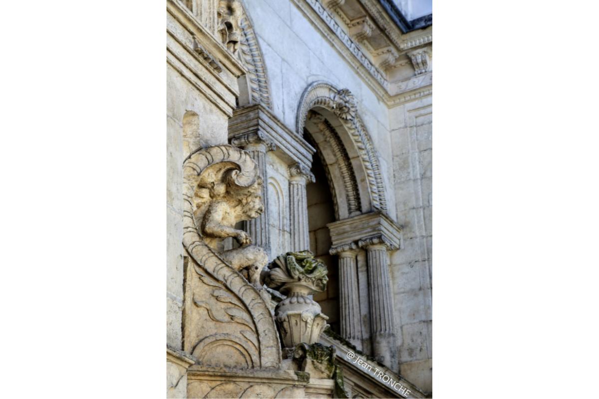 maison Henri II détails architecture La Rochelle