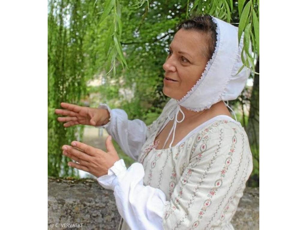 Visite XVIIIe Creully-sur-Seulles avec une lavandiere