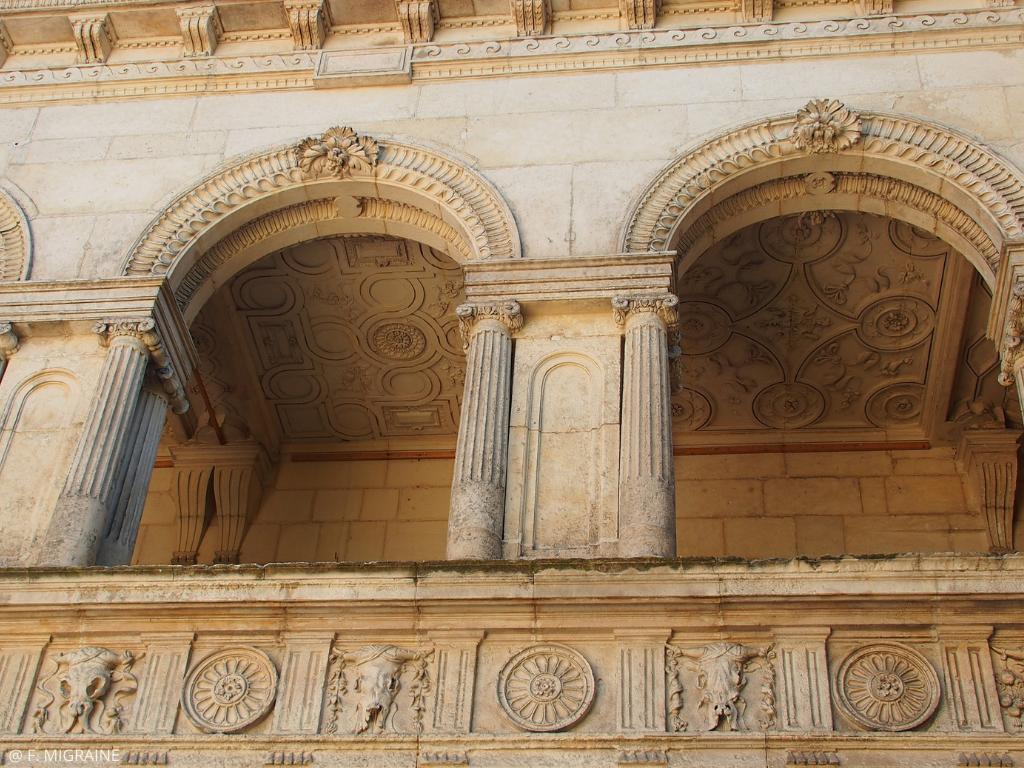 détails de la maison Henri II à La Rochelle