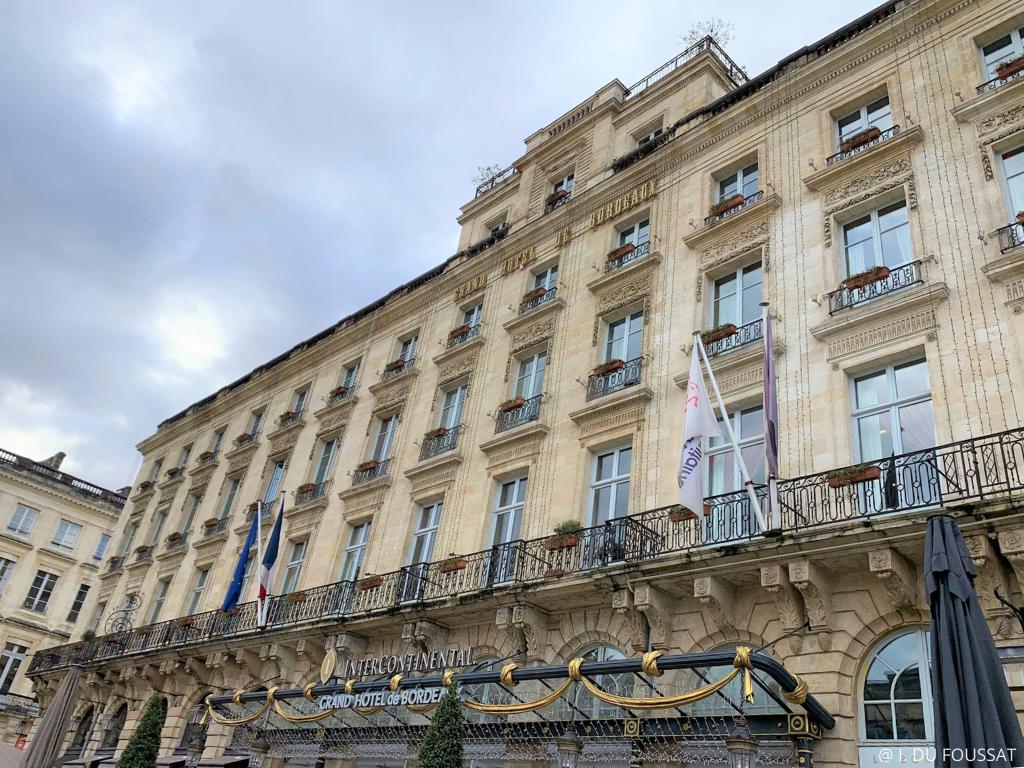 place grand hôtel de Bordeaux
