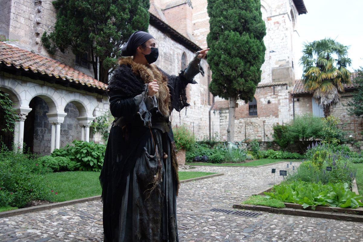 visite cloitre à ALbi soigneuse Moyen Âge