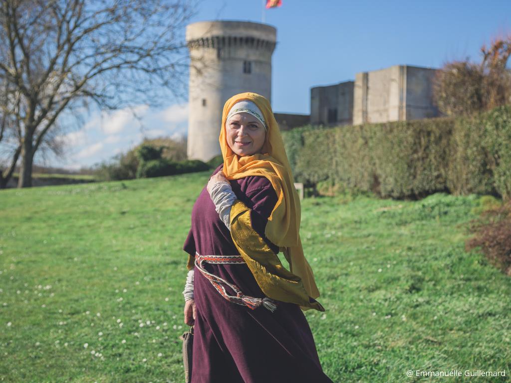 visite costume epoque dame ottilia XIè falaise