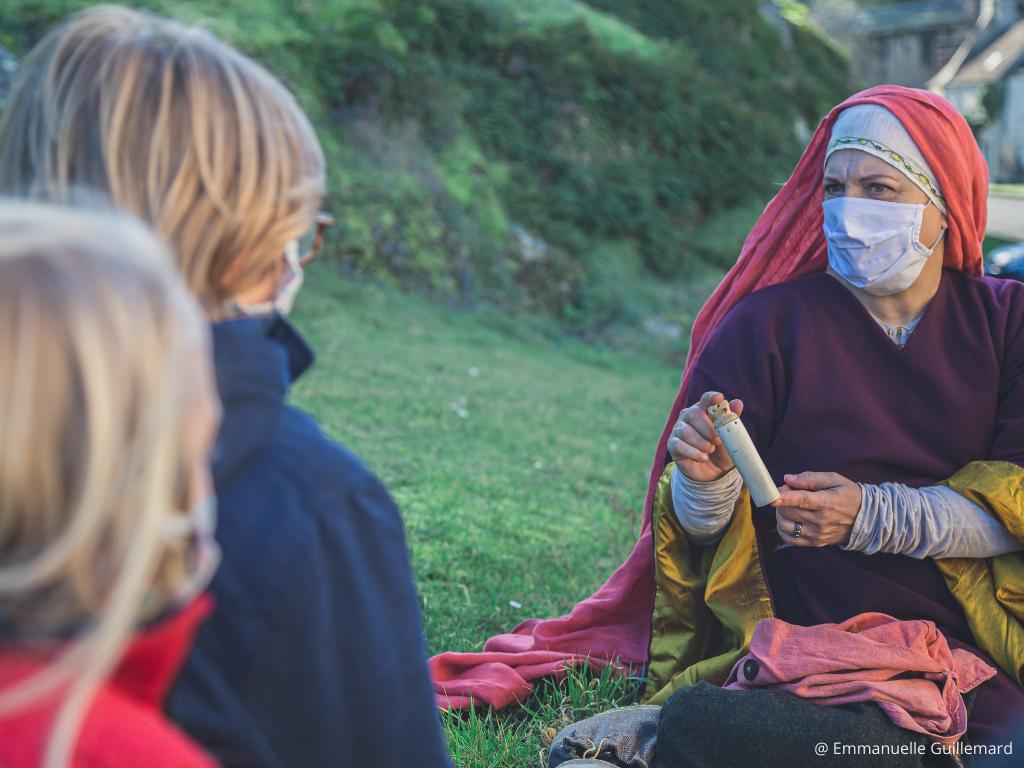 visite insolite objets historiques XIè falaise