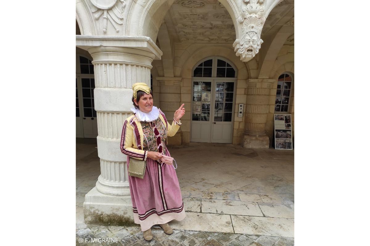 visite la rochelle insolite costumée françoise rohan