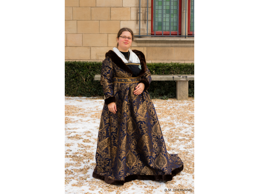 visite costumée du Marais au XVè siècle guidés par Isabeau de Bavière