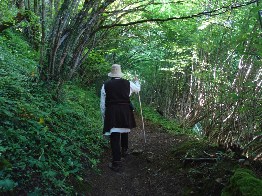balade sentier randonnée à Montségur visite insolite