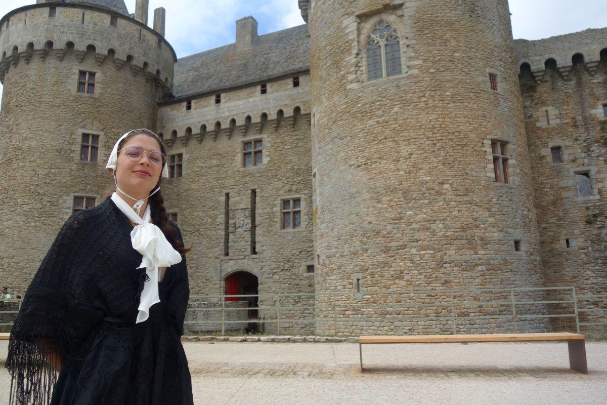 visite insolite Marig devant le château de Suscinio